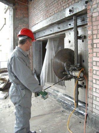 инструмент - алмазная резка бетона - несущая стена 06